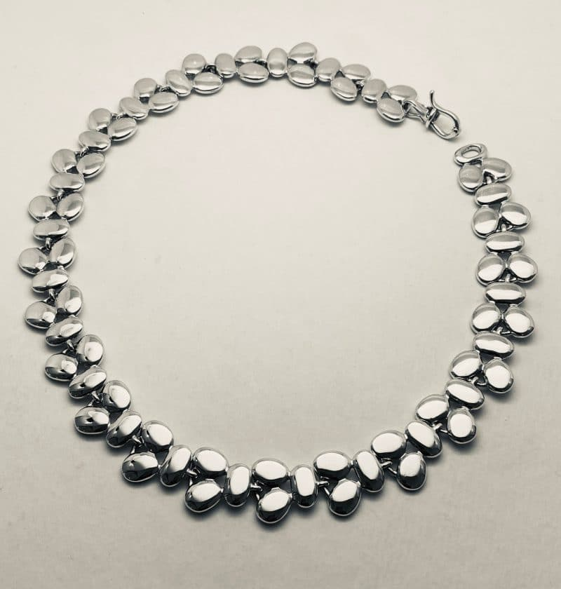 Silver necklace with pebble motifs