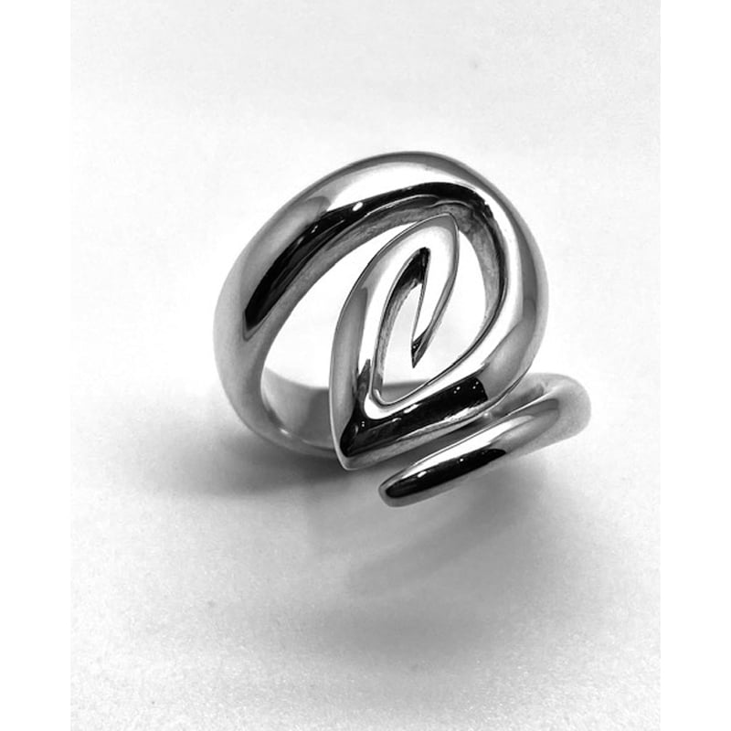 Anel de prata semi-redondo com rosca final