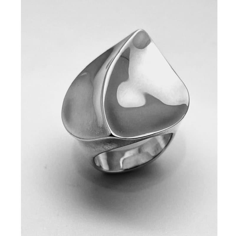 Silver ring shaped like a flower petal