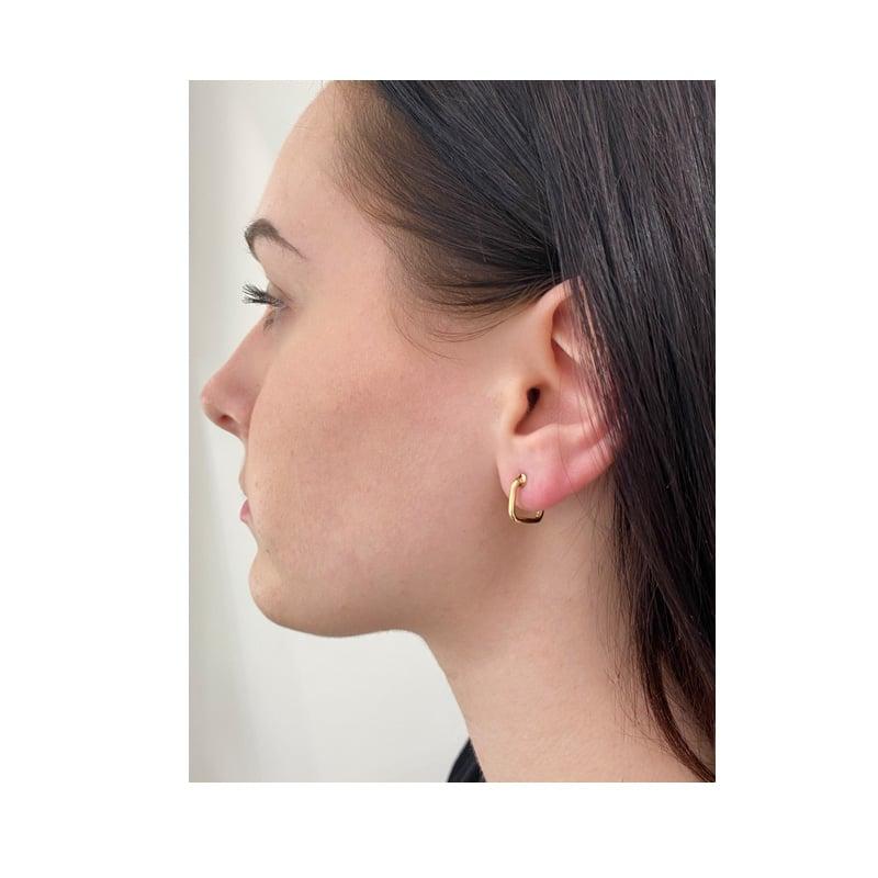 Boucle d'oreille carrée en or