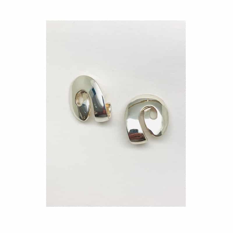 Pendientes de plata de cinta en espiral ovalada
