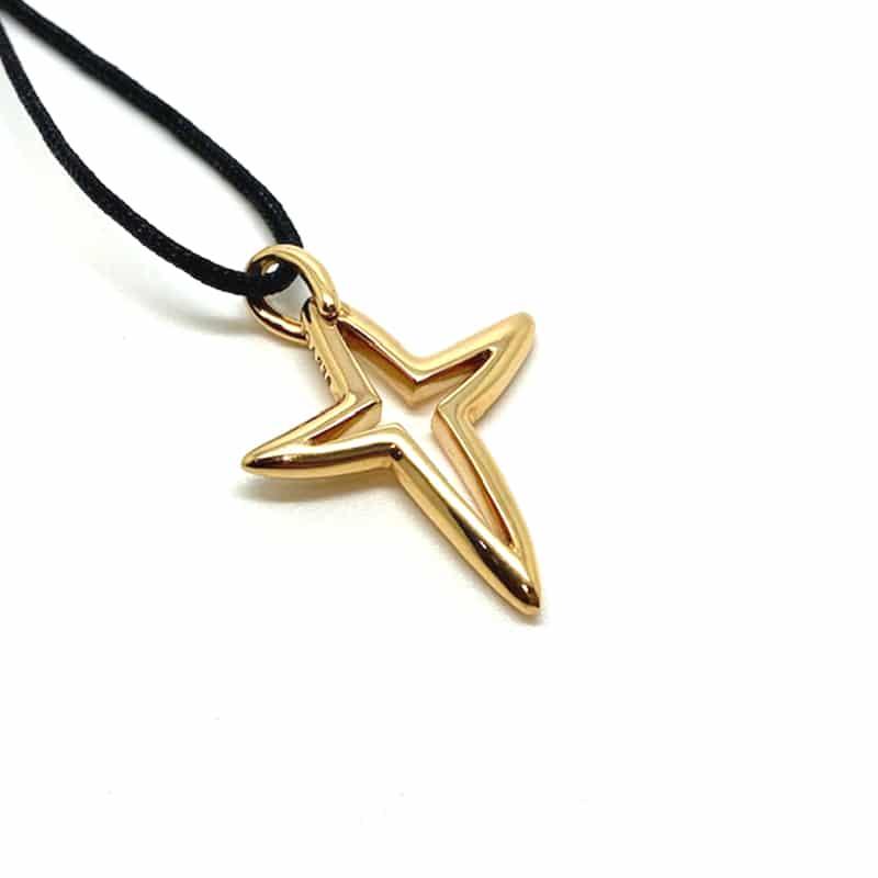Colgante de oro cruz en estrella