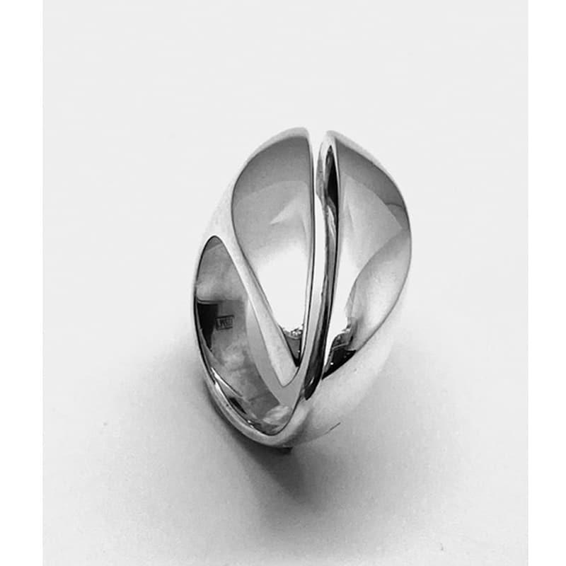 Anillo de plata con forma de navette