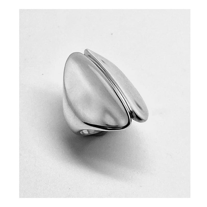 Anillo de plata con forma de bulbo de lirio