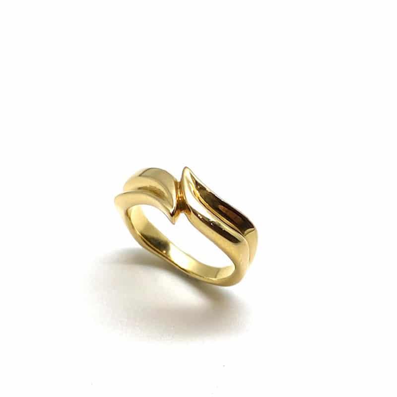 "Anillo de Oro ""tú y yo"" con motivo de hojas de lirio"
