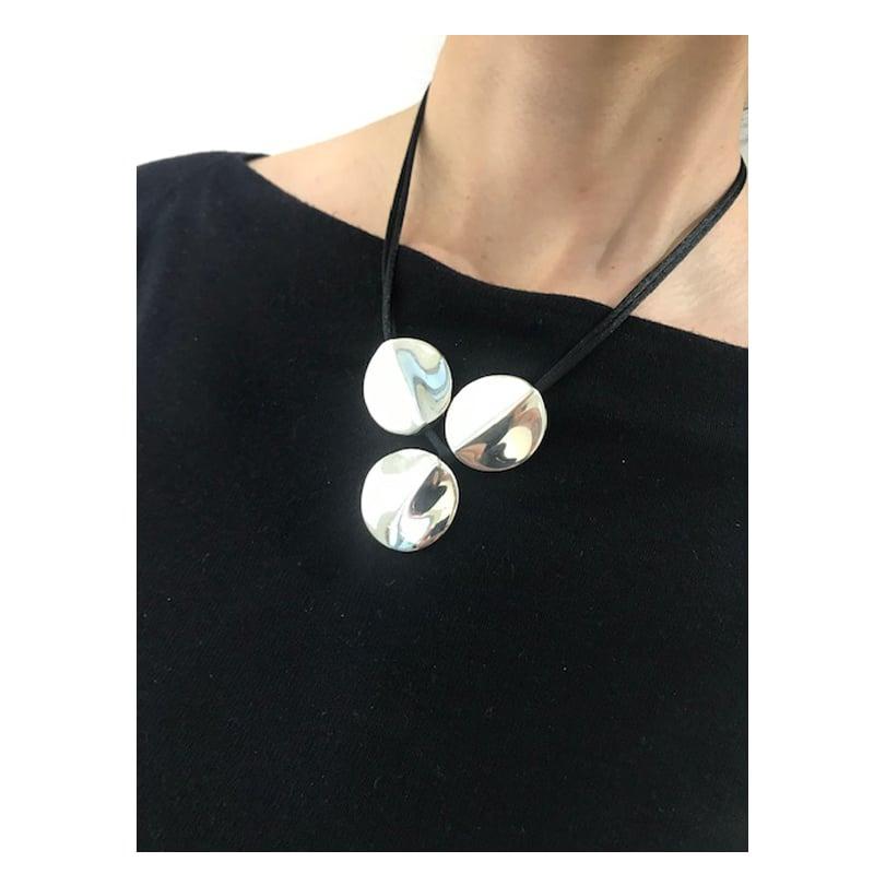 Colar esférico de prata de 3 peças com cordão de seda