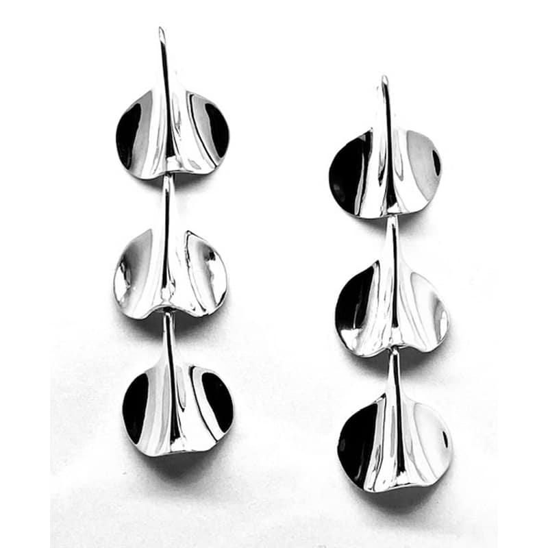 Brincos de pétala articulada de prata em três peças